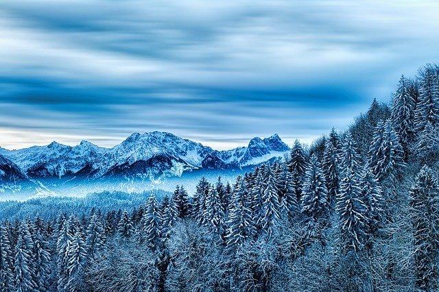 cime innevate, il ghiaccio dell'inverno