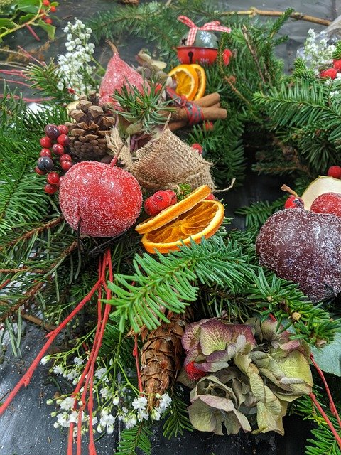 Arance e frutta secca, un ottimo regalo